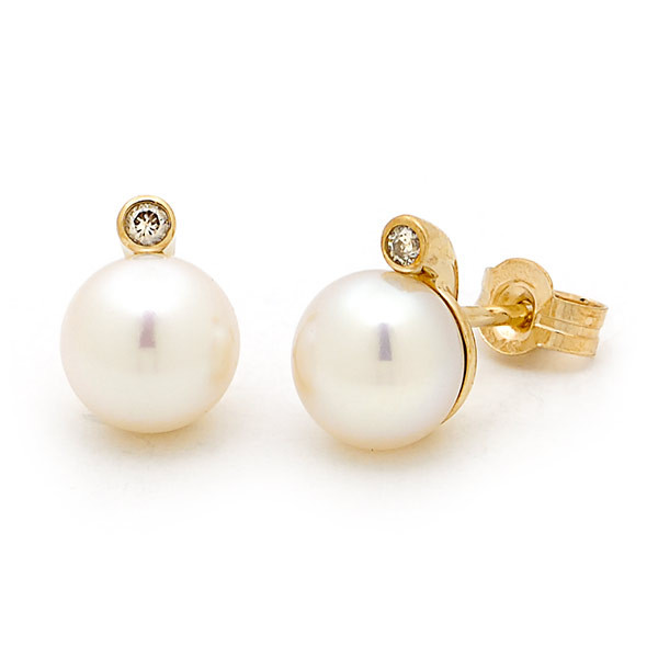 5ecbe97a6d690 Freshwater Pearl Button Black & Diamond Cup Stud Earring in 18ct ...